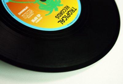sujeta-libros-discos-de-vinilo (6)