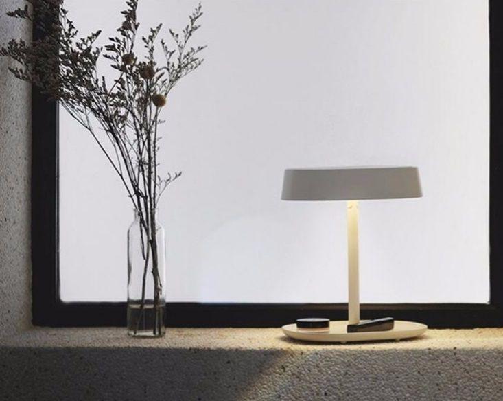 Espejo de mesa con luz led for Espejos para mesa
